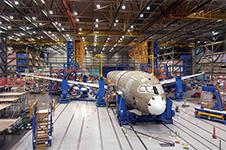 México se ha consolidado como un líder global en el sector aeroespacial. Ha registrado un crecimiento en las exportaciones de 17.2% anual en los últimos nueve años. Actualmente, existen 287 empresas y entidades de apoyo en el país, la mayoría de las cuales cuentan con certifcaciones NADCAP (National Aerospace and Defense Contractors Accreditation Program) y AS9100. Las cuales están localizadas principalmente en cinco estados y emplean a más de 32,600 profesionales de alto valor.  En la última década, la tasa de crecimiento anual promedio de graduados en ingeniería en México fue del 7%, por encima del promedio de crecimiento de la población. En México, hay más de 110,000 graduados de programas de ciencia y tecnología.  Una tarea pendiente... La fuga de cerebros es un problema que, como país, no hemos logrado resolver, continuar a vincular academia e industria prnicipalmente en los cinco estados que emplean a mas de 32,600 de profesionales de alto valor para retener capital humano de excelencia e impulsar la generacion del conocimiento.